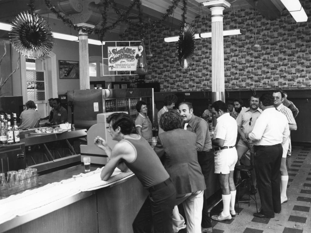 Refreshment Room Bar At Brisbane Central Station C1970