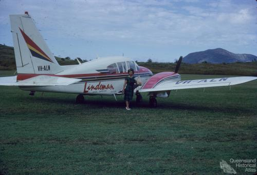 Aircraft servicing Lindeman Island, 1966