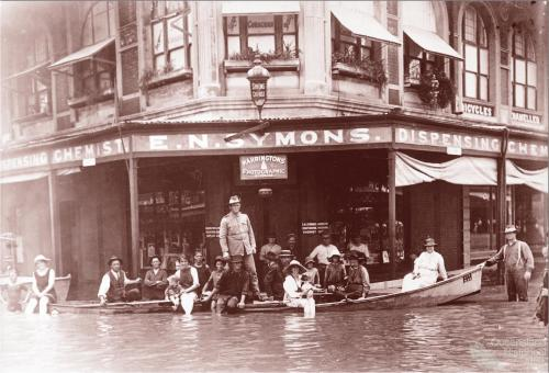 Flood scene Rockhampton, 1918