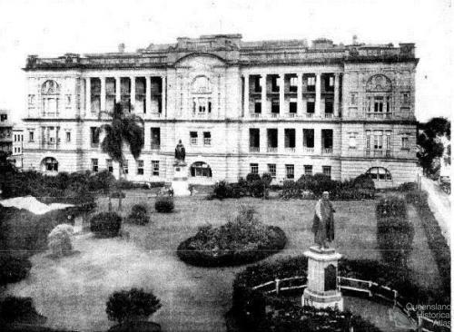 Ryan and Queen Victoria statues, Queens Gardens, 1934