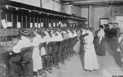 Women telephonists, Brisbane, 1910