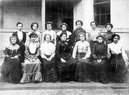 Group of women telephonists, Brisbane, 1899