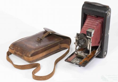 Kodak folding pocket camera