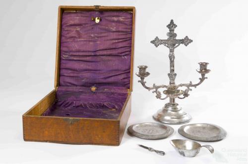 Portable altar set