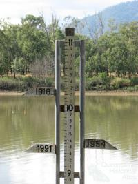 Flood marker, Fitzroy River, Rockhampton, 2009