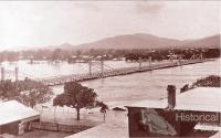 Fitzroy River Bridge in flood, 1918