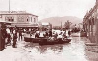 Ferry boats at corner of East and William Street, Rockhampton, 1918