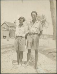 Mattie and Maurice Yonge, Low Isles, 1928