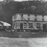 Moving the pub at Esk, c1906