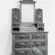 Silky oak dresser, 1907